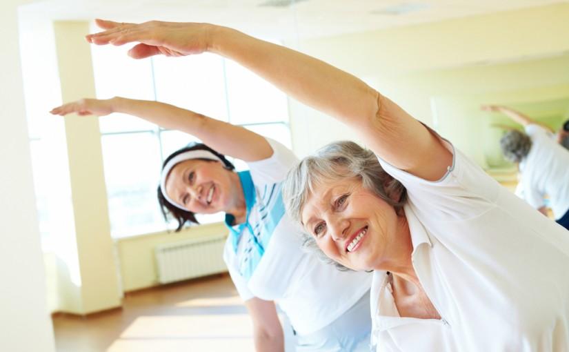 Aktywni seniorzy. Coraz częściej spotkasz ich w klubach fitness