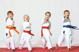dlaczego-warto-posylac-dzieci-na-karate