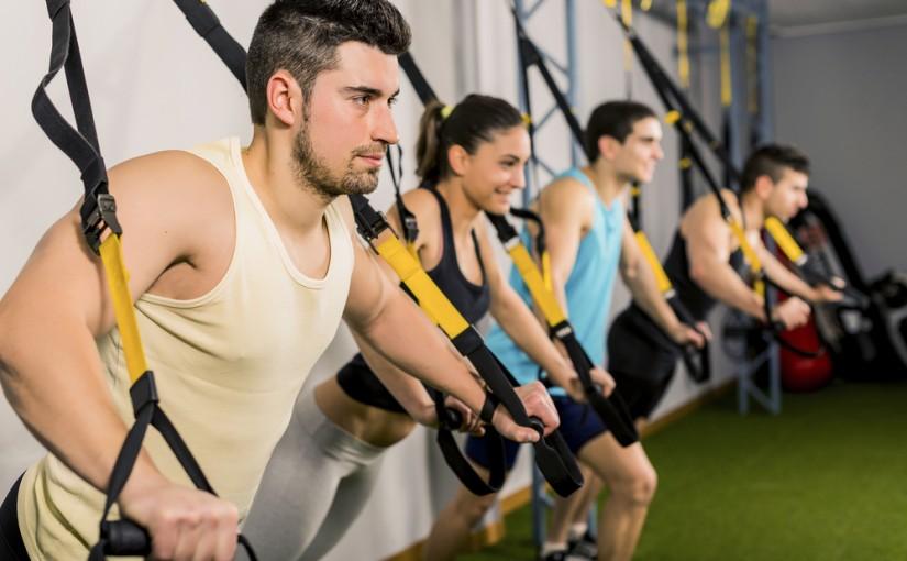 Trening TRX. Przykładowe ćwiczenia