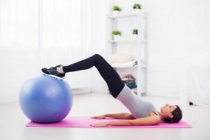 cwiczenia-pilates-z-pilka