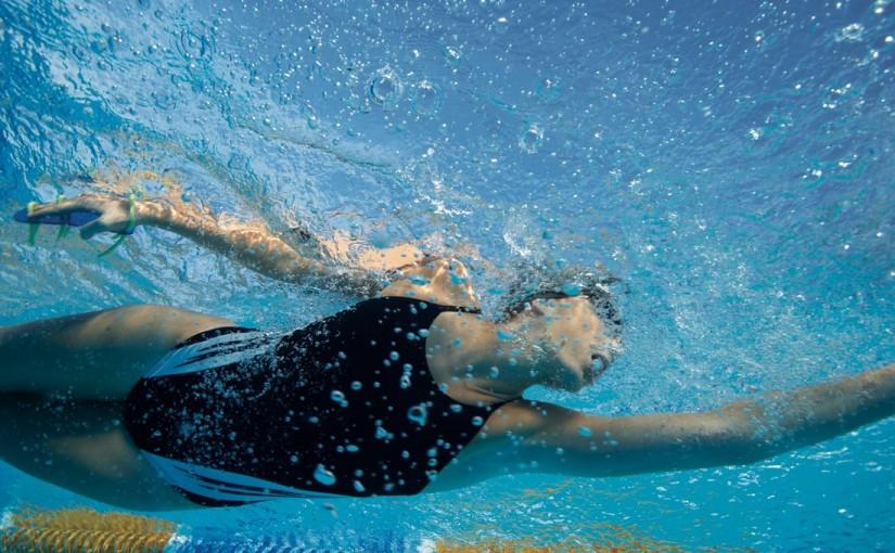 10 powodów, dla których warto nauczyć się pływać