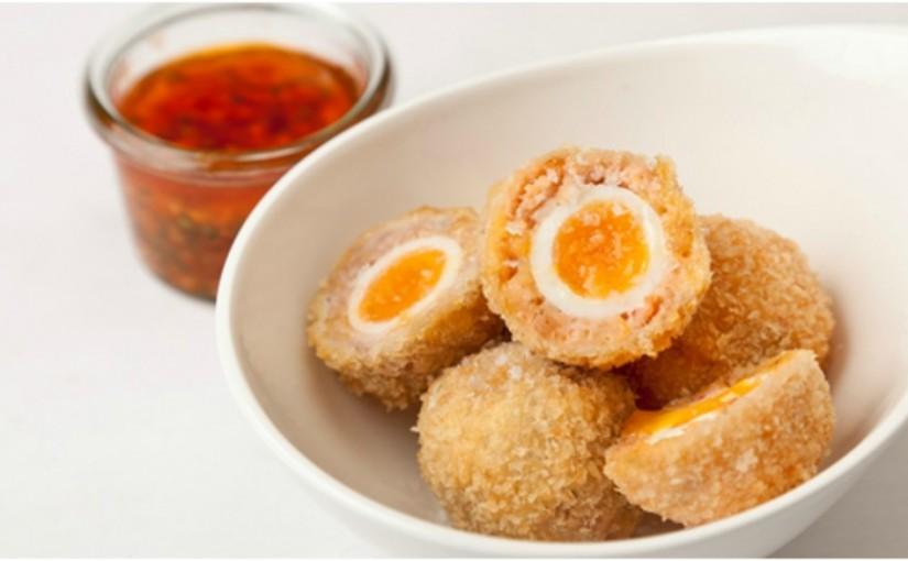 Przepisy na Wielkanoc: Jajka w panierce – ok. 200 kcal