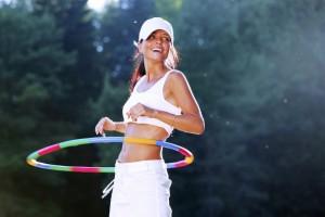 fitness-cwiczenia-z-hula-hop-na-brzuch-talie-i-posladki