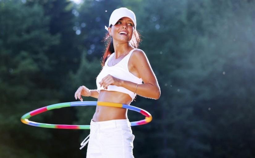 Fitness: Ćwiczenia z hula hop na brzuch, talię i pośladki